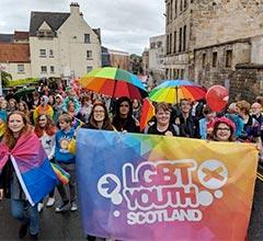 Escocia, el primer país del mundo en enseñar la historia LGTB+ en los colegios